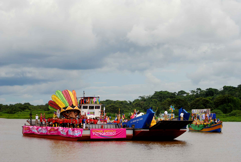 Carnaval-acuatico-rio-san-juan-nicaragua